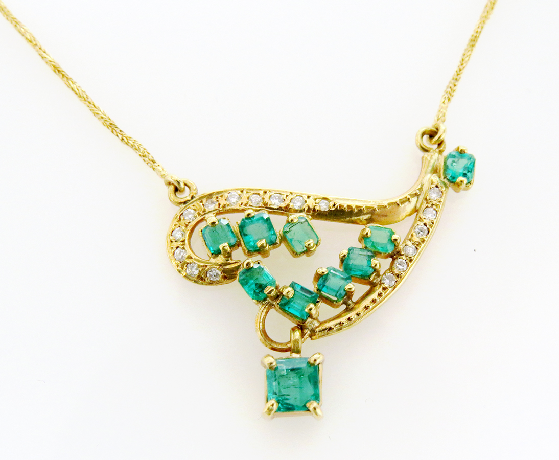 Vintage-Emerald-and-Diamond-Necklace-2